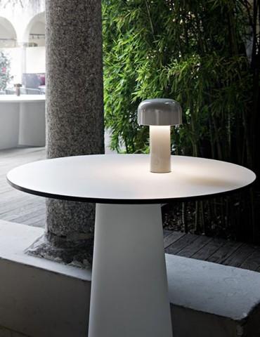 Candeeiro de mesa Flos Bellhop